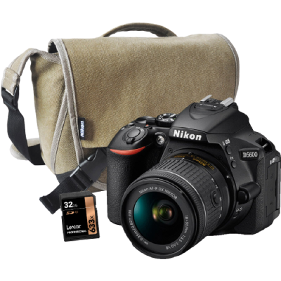 NIKON D5600 + 18-55mm AF-P DX VR II + BAG & CARD